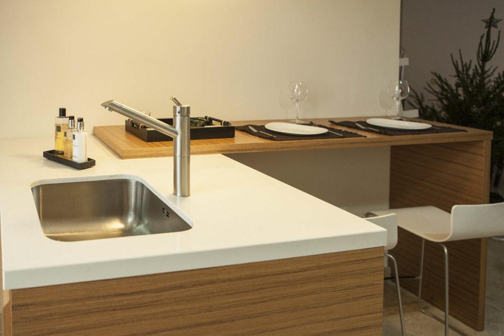 Cocina elegante y moderna en Zaragoza